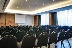 Eventos y congresos | Hotel Ciudad de Móstoles El salón Forum A es muy espacioso y la luz es su factor predominante