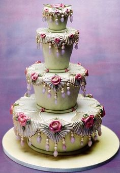 A very ornate cake. Don't think I could ever have an occasion to want this cake for it. Maybe it is the color of the cake. If it were in white, pearly white, and light pink, I might lke it more. Beautiful Wedding Cakes, Gorgeous Cakes, Pretty Cakes, Cute Cakes, Amazing Cakes, Cake Wedding, Unique Cakes, Elegant Cakes, Creative Cakes