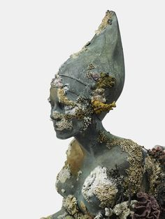 Damien Hirst, 'Sphinx', 《Treasures from the Wreck of the Unbelievable》. Photographed by Prudence Cuming Associates © Damien Hirst and Science Ltd. All rights reserved, DACS Damien Hirst, Living Statue, Art Plastique, Ancient Art, Artist Art, Retro, Sculpting, Modern Art, Illustration Art