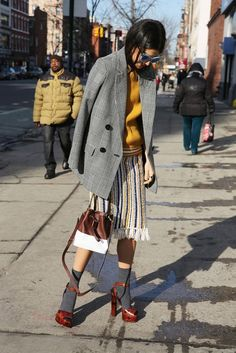 Chic Ways to Wear the sock sandal combo street style