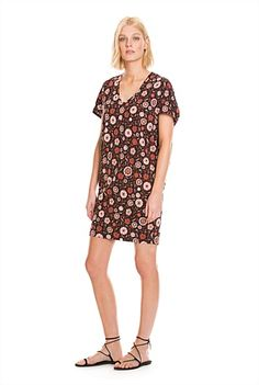 Shop Women's Dresses at Country Road. Floral Wedges, Casual Dresses For Women, Short Sleeve Dresses, Formal, Summer 2015, Clothes, Style, Fashion, Preppy
