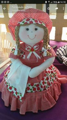 Muñeca de trapo Diy Craft Projects, Sewing Projects, Diy Crafts, Cat Fabric, Fabric Dolls, Doll Toys, Baby Dolls, Christmas Applique, Flower Girl Gifts