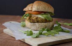 Super Vegan Protein Burger + Chipotle Aoili http://chayvert.com/2014/08/21/super-protein-vegan-burger/