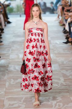 Trends Spring 2017: Flower Delivery - Tory Burch