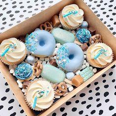 Chocolate Covered Treats, Chocolate Covered Strawberries, Mini Cupcakes, Cupcake Cakes, Graze Box, Gift Box Cakes, Dessert Boxes, Sweet Box, Cake Business