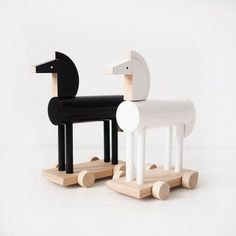 These stylish horses are ready to gallop directly into your child's playroom. Your child can easily move them around the room and, of course, the horses can carry all kind of cargo: dolls, figures, etc.