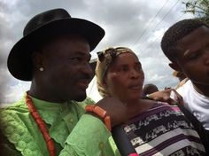 NIGERIAN TOP SECRET: Photo: Harrysong reconciles with step mother at fa...
