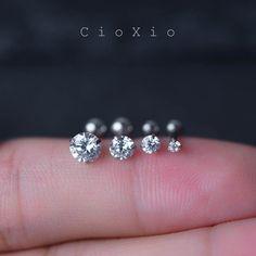 triple helix earring kraakbeen oorbel tragus earring 16g door CioXio