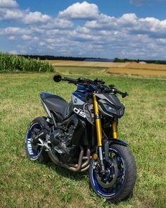 Wow, it is so beautiful 😍 👤: Moto Bike, Motorcycle Garage, Motorcycle Design, Triumph Motorcycles, Yamaha Motorcycles, Nitro Circus, Honda Supermoto, Monster Energy, Ducati