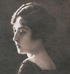 Tarihin Tozlu Sayfaları Arasında Atatürk'ün Bilinmeyen Hüzünlü Aşk Hikayesi: Fikriye Hanım
