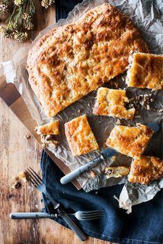 Peltilihapiirakka Savoury Baking, Tapas, Nom Nom, French Toast, Clean Eating, Food And Drink, Healthy Recipes, Healthy Food, Bread