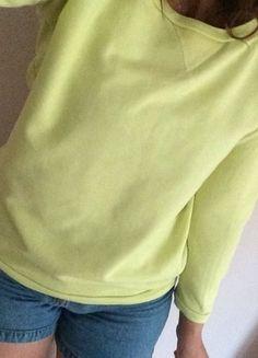 Kup mój przedmiot na #vintedpl http://www.vinted.pl/damska-odziez/bluzy/14535368-neonowa-bluza-reserved