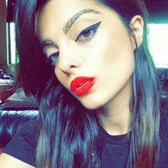 Bebe rexha/ glitter eyebrows