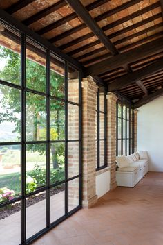 Small Cottage Interiors, Folding Patio Doors, Plafond Design, House Extension Design, Spanish House, House Extensions, Types Of Houses, Industrial House, Terrazzo
