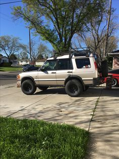 """2001 Land Rover Discovery 2 SE7 Terrafirma 3"""" lift and  Rims on 33"""" Atturo MT tires.  All purchased from lucky 8 Off Road equipment good prices and great fellas."""