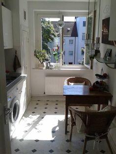 Wunderschöne, kleine Küche in weiß #Hamburg #gemeinsamwohnen #WG