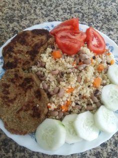 Pataniscas courgette, Bulgur com feijão frade e legumes