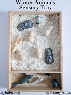 Use cloud dough to make a winter animal sensory tray for toddlers and preschoolers to explore and play with. Primitive Wood Crafts, Primitive Snowmen, Primitive Christmas, Country Christmas, Christmas Tree Wreath, Christmas Snowman, Christmas Tree Decorations, Sensory Bins, Sensory Activities