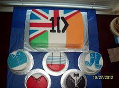 OMG!!! a One direction cake the british side and the irsish side!!!! I want to have this cake for my 11th birthday!!!! OMG!!!!! I LOVE IT SO MUCH THAT I WOULD DIE! #DISPICABLE ME