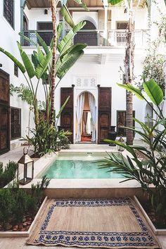 island accomodation with courtyard pool / sfgirlbybay
