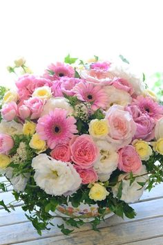 Beautiful Flowers Garden, Beautiful Flower Arrangements, Amazing Flowers, Beautiful Roses, Pretty Flowers, Pink Flowers, Floral Arrangements, Blue Roses Wallpaper, Flower Phone Wallpaper