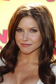 reddish brown hair - sofia bush