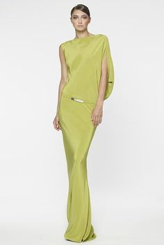 Kaufmanfranco ● RESORT 2014 Even though is not my color, looks amazing! Estilo Fashion, Look Fashion, High Fashion, Womens Fashion, Fashion Design, Beautiful Gowns, Beautiful Outfits, Lily Cole, Looks Chic