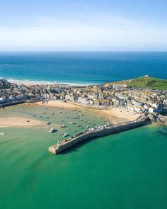 St Ives Penzance shares the best things to do in Cornwall on their what's on in Cornwall page - from food festivals and music festivals to exhibitions & events. St Ives Cornwall, Devon And Cornwall, Cornwall England, Cornwall Coast, St Ives Cottages, Things To Do In Cornwall, Cornwall Beaches, Into The West, Holiday Places