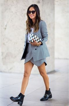 Aimee Song in a classic houndstooth matching skirt suit set. Fashion Week, Womens Fashion, Fashion Trends, Style Fashion, Fashion Black, Paris Fashion, Fashion Ideas, Fashion Beauty, Street Style Chic