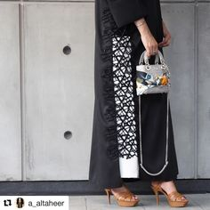 #Repost @a_altaheer (@get_repost) ・・・ . . The classy abaya from @deram_fashion
