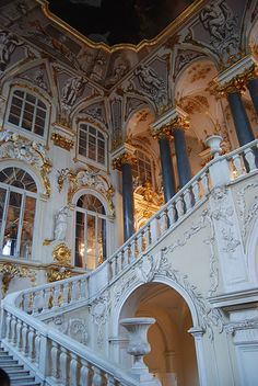 grand staircase at the hermitage Aesthetic Vintage, Aesthetic Photo, Travel Aesthetic, Aesthetic Art, Aesthetic Pictures, Angel Aesthetic, Aesthetic Pastel Wallpaper, Aesthetic Backgrounds, Aesthetic Wallpapers