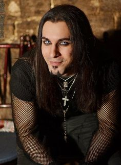 An idea of Cendric (male character potentially on cover) - The good humor in the expression, combined with that outfit. Goth Beauty, Dark Beauty, Dark Fashion, Gothic Fashion, Steam Punk, Goth Guys, Goth Men, Alternative Men, Gothic Vampire