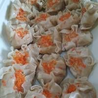 Siomay Ayam Kuah + Pangsit Goreng 1 adonan daging,simpel ^^ Eat Me Drink Me, Food And Drink, Snack Recipes, Cooking Recipes, Snacks, Resep Cake, Pom Pom Maker, Asian Recipes, Ethnic Recipes
