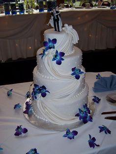 sash design wedding cake with blue orchids Beautiful Wedding Cakes, Perfect Wedding, Dream Wedding, Wedding Goals, Wedding Planning, Wedding Ideas, Wedding Stuff, Blue Orchid Wedding, Cupcakes