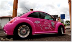 Hello Kitty VW Beetle
