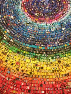 OK toy car collectors, kids, everyone else, maintain yourself. The Toy Atlas Rainbow is a wonderful installation of 2,500 old toy cars by UK artist David T. Waller.