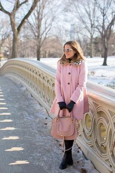 pink swing coat (ASOS pink swing coat with contrast faux fur collar + black Topshop turtleneck + MiH 'body con' jeans + J Crew boots + Chloe bag + Thierry Lasry sunnies + Topshop gloves + Bloomingdale's beanie) Pink Fashion, Fashion Outfits, Womens Fashion, Feminine Fashion, Girl Meets Glam, Estilo Gossip Girl, Bow Back Dresses, Le Pilates, Cold Weather Fashion