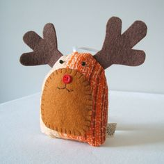 Reindeer by Pouch, simple and cute