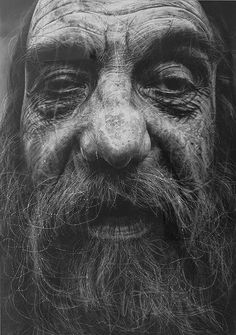 Charcoal Drawing Realistic Hyper-Realistic Charcoal Portraits : Douglas McDougall - Douglas McDougall - Douglas McDougall has been described as a geographer of the human face and psyche and his latest series entitled 'A New God' features s. Guy Drawing, Life Drawing, Painting & Drawing, Drawing Tips, Drawing Models, Pastel Drawing, Drawing Techniques, Figure Drawing, Black And White Drawing