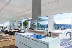 L�nguddsv�gen 34 A | Per Jansson fastighetsf�rmedling Kitchen Island, Villa, Interior, House, Home Decor, Kitchens, Projects, Island Kitchen, Decoration Home