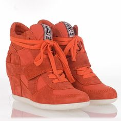 I just love the hidden wedge sneaker from Ash. This is the Bowie Wedge Sneaker Orange Suede. Ash Shoes, Ugly Shoes, Me Too Shoes, Style And Grace, My Style, Baskets, Comfy Heels, Fashion And Beauty Tips, Wedge Sneakers