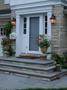 55 ideas for house front steps woods Concrete Patios, Concrete Front Porch, Concrete Steps, Bluestone Pavers, Patio Steps, Brick Steps, Stone Steps, Front Porch Steps, Front Door Porch