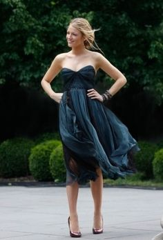 This has to be one of my favorite dresses ever! (worn by Serena from Gossip Girl)