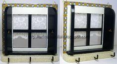 Janelinha com pintura e decorada com decoupage a imitar azulejo e bordado inglês