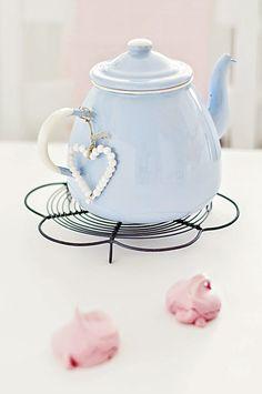blue enamel tea pot