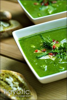 Bowl of happiness. It's slowly turning autumn here without it having been summer yet. I was robbed of my summer! But in all honesty, summer heat never did much for me. I just nev. Souper Bowl, Spinach Soup, Soup And Sandwich, Summer Heat, Gumbo, Chowders, Honesty, Palak Paneer, Stew
