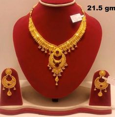 Gold Necklace Design For Wedding Gold Mangalsutra Designs, Gold Earrings Designs, Necklace Designs, Gold Necklace Simple, Gold Jewelry Simple, Gold Chain Design, Gold Jewellery Design, Bridal Jewellery, Women's Fashion