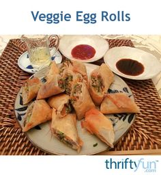 I love making egg rolls at home because I can be quite picky about what's put in the middles when I order them at restaurants. Plus it costs so much less! Try these crispy rolls as an appetizer, or as a main dish. I love using soy, vinegar and chili paste as a dipping sauce. Yum! Veggie Recipes, Vegetarian Recipes, Cooking Recipes, Veggie Egg Rolls, Egg Roll Ingredients, Crispy Rolls, Raspberry Macaroons, Egg Roll Wrappers, Broccoli Slaw