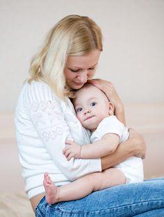 """""""Ci servono 4 abbracci al giorno per sopravvivere…8 abbracci al giorno per mantenerci in salute…12 abbracci al giorno per crescere"""". (Virginia Satir) Gli abbracci sono davvero importanti per il nostro benessere! L'abbraccio favorisce la produzione di ossitocina, l'ormone della felicità che allontana lo stress e favorisce la memoria. Quindi… un abbraccio a tutti  :-) http://www.drcordara.it/"""