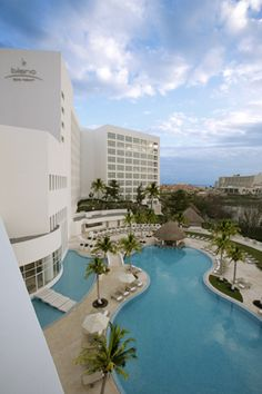 If you want Luxury, you come stay at LeBlanc in Cancun. SO AMAZING! http://www.gogoworldwidevacations.com/hotels/details.jsp?hotelid=1296